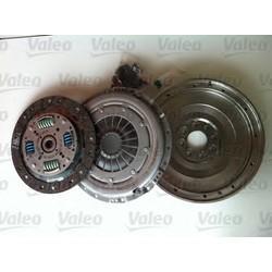 Zestaw sprzęgła z kołem jednomasowym VALEO 835022 do MERCEDES